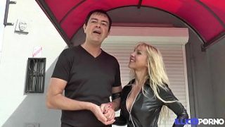 therese une bonne milf aux gros seins toujours affamee